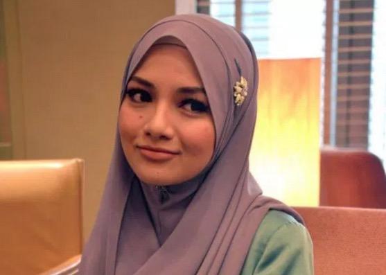 Stokis Naelofar Hijab Mengamuk Dakwa Neelofa Tipu Dirinya