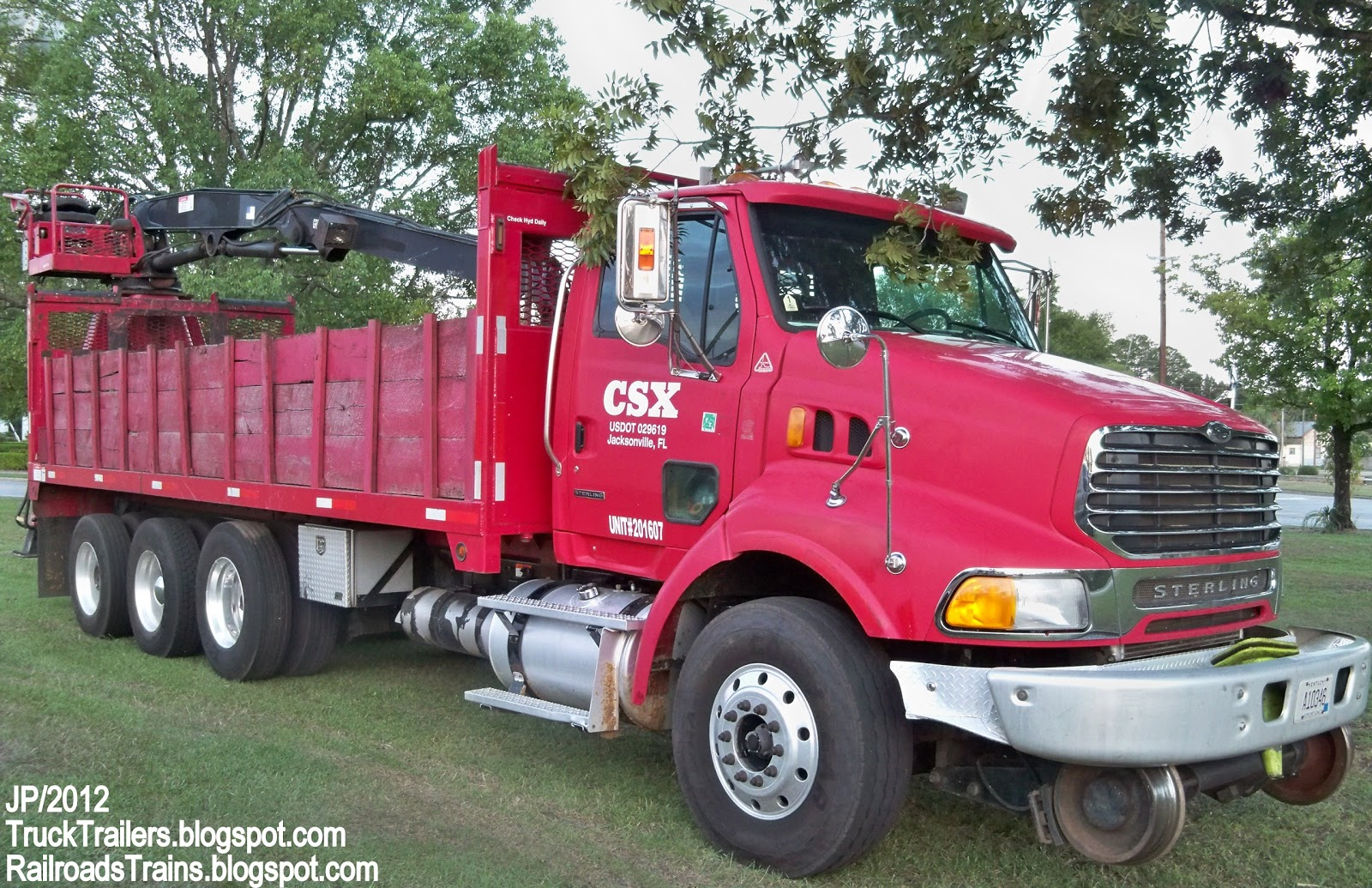 Csx railroad sterling day cab truck heavy duty rail mount crane cross tie truck waycross ga csx transportation railway jacksonville fl us dot 029619