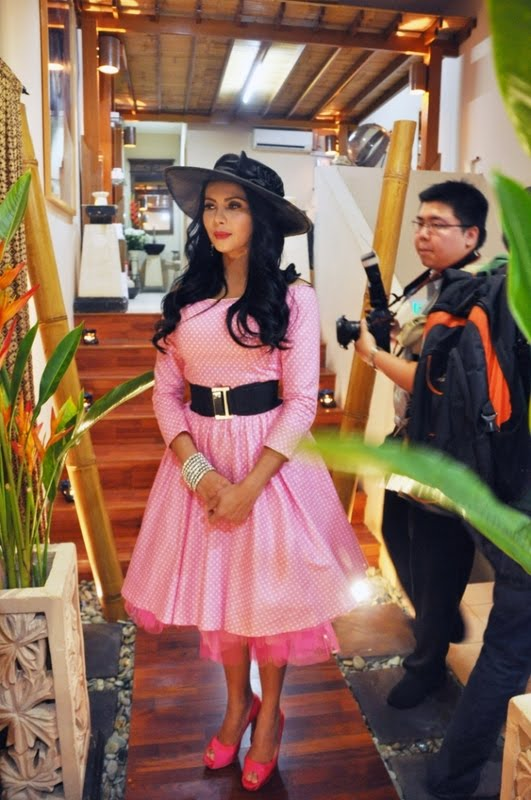 Rozita Che Wan Seperti Barbie Pink