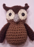 http://www.ravelry.com/patterns/library/hoots-the-owl
