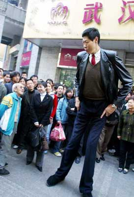china's tallest man