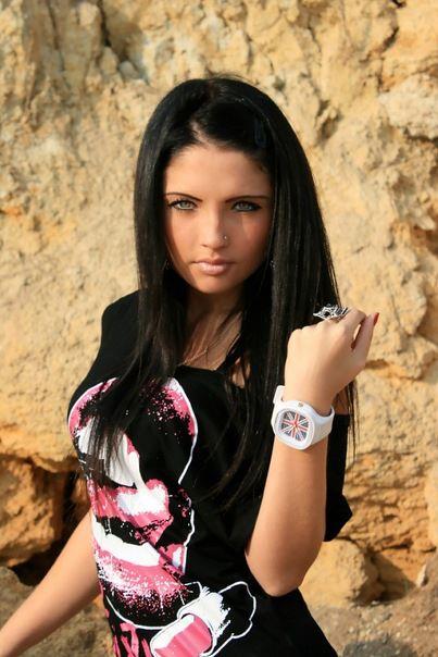World Biggest Pictures Dumping Yaad: stylish girl sitting