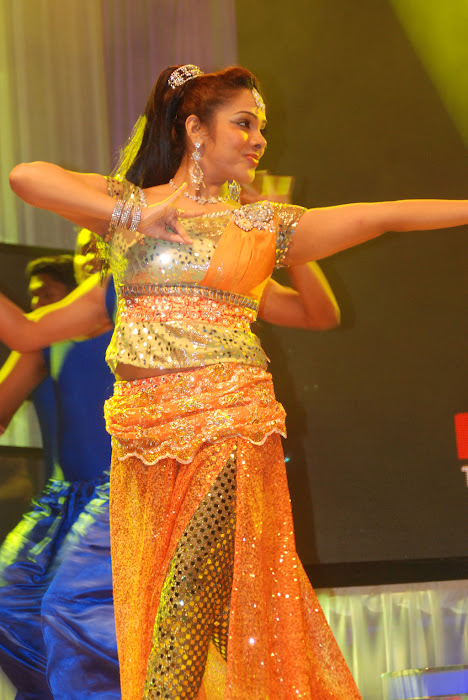 sandhya performance at women entertainers awards latest photos