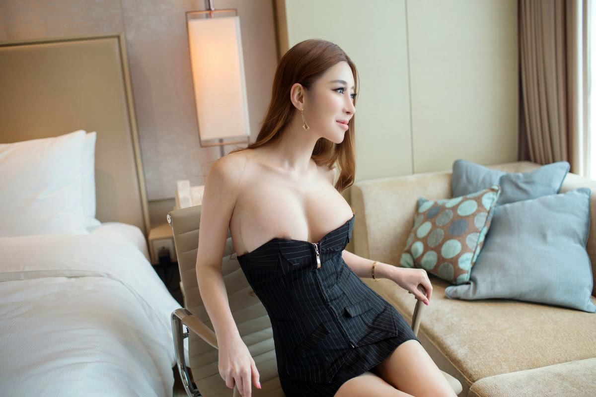 chinese girl with big tits nude