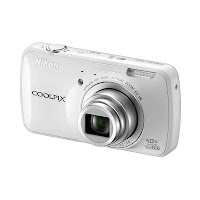 Nikon Coolpix S800c front