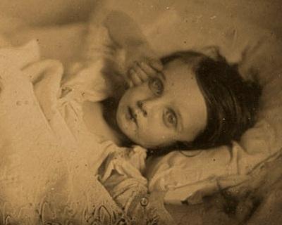 Little girl, dying -- Lille pige, døende