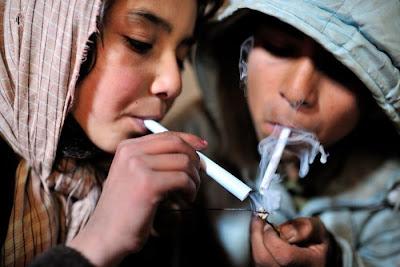 Foto Kelam Anak-Anak Pengguna Heroin Dan Narkoba di Afghanistan