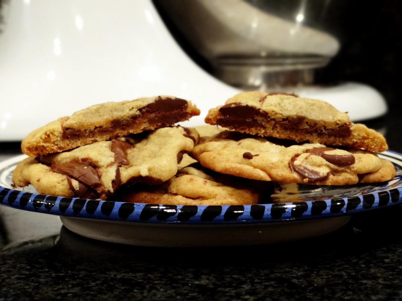 Jersey Girl Eats: Nutella Stuffed Chocolate Chip Cookies