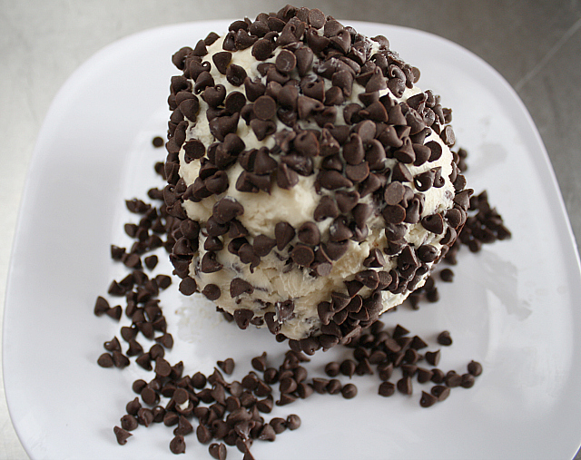 Butter With A Side of Bread Cheesecake Cheese Ball