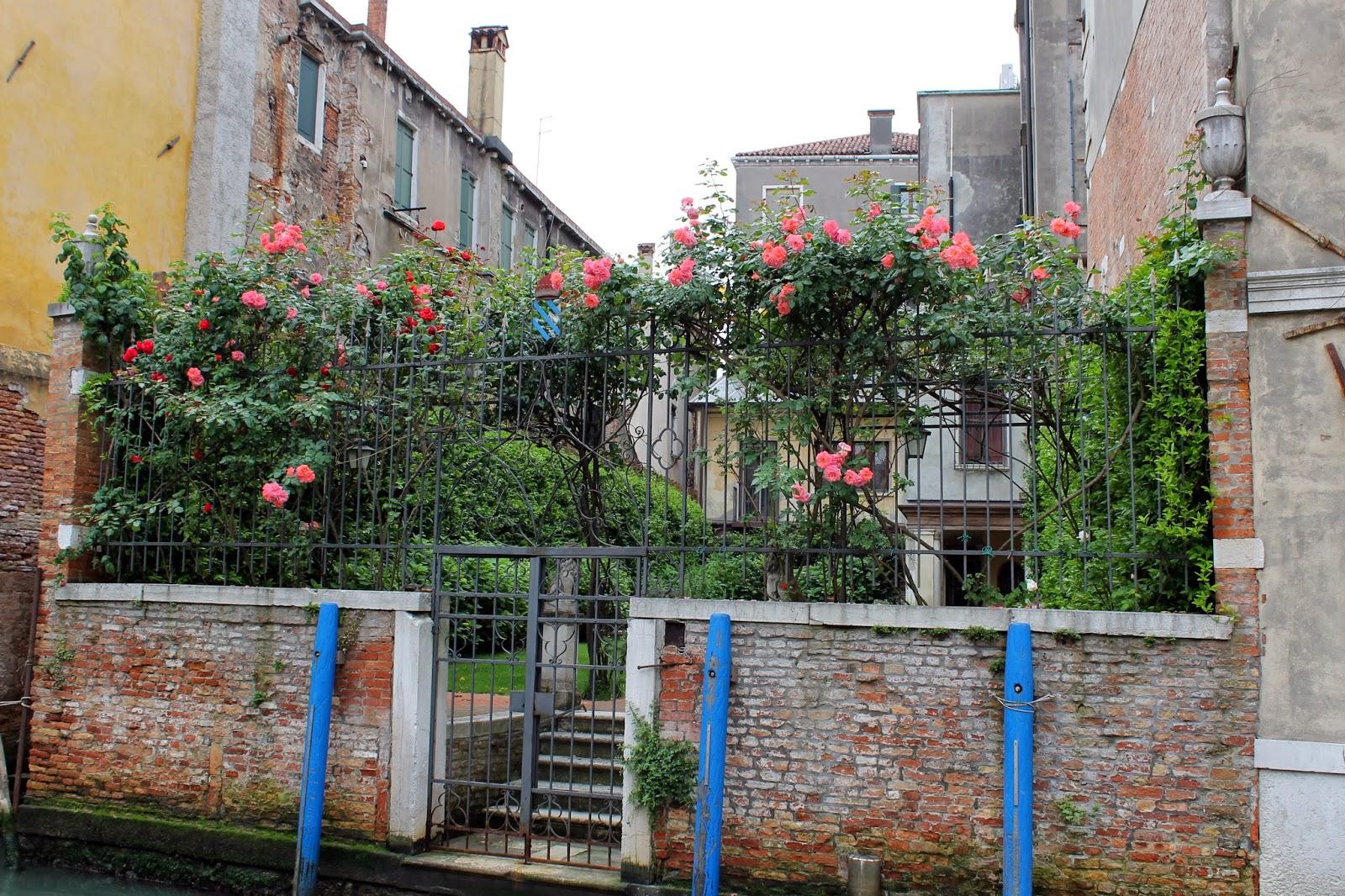 Jardins fleuris images for Jardin fleuri lyon 9