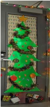 Peinados para ni as ideas para decorar la oficina en navidad for Ideas para adornar puertas en navidad