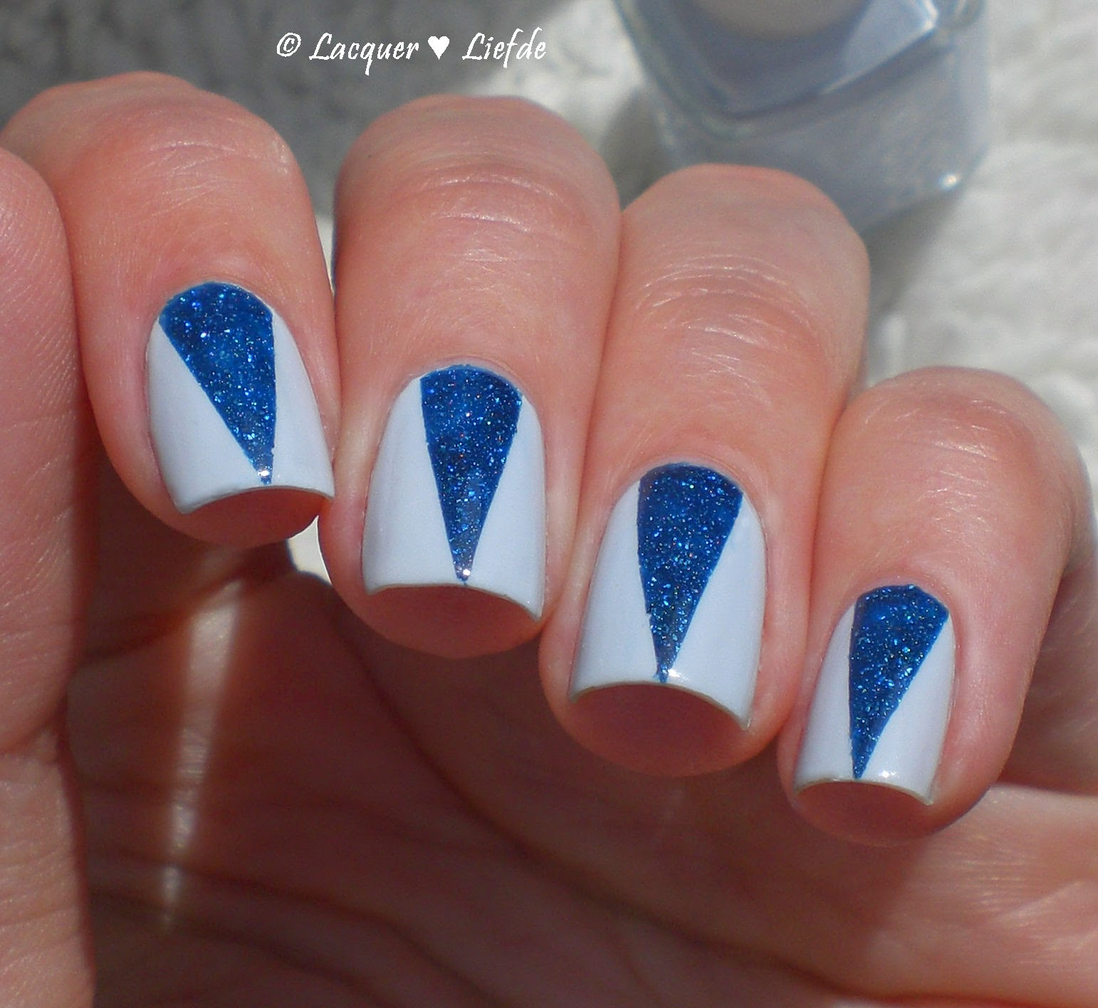 Find me an Oasis Essie mit Cosmos Picture Polish