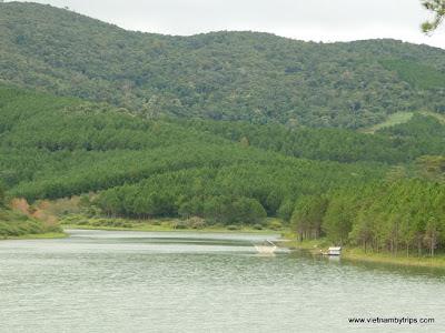 Dalat city - Tuyen Lam lake - On the way to Da Tien resort