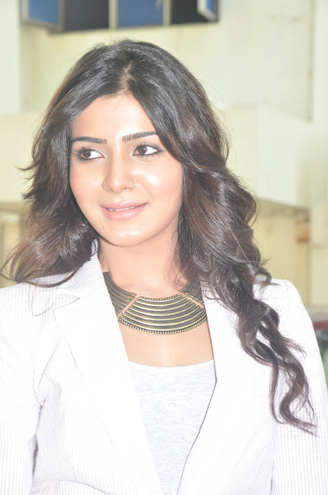 samantha new @ eega press meet actress pics