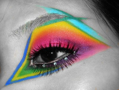 Colorful Accented Geometric Eye Makeup