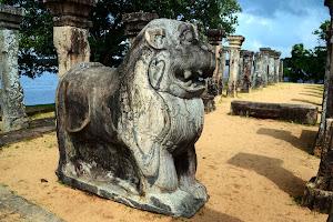 Полоннарува - город  короля Паракрамабаху