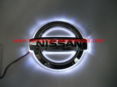 Front Logo+Lampu Nissan