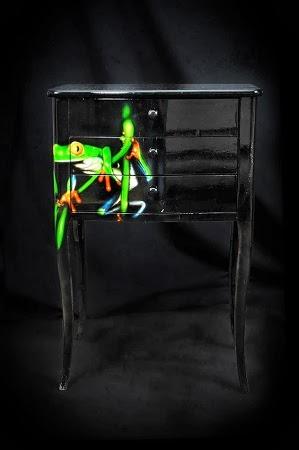 Colección Eclectica de Muebles con Materiales Reciclados