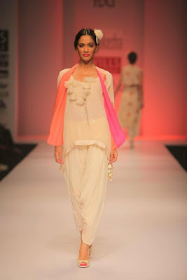 Nikasha Tawadey at Wills Lifestyle India Fashion Week - Spring Summer 2012 Day 3