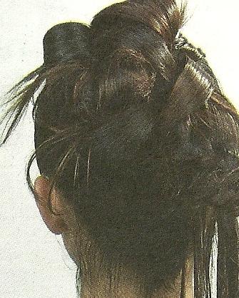 Las máscaras para los cabellos de la cebolla y el aceite de ricino