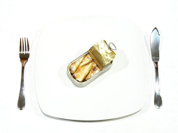 sardinha_lata_almoço_austero