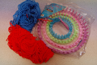 knitting loom and yarn