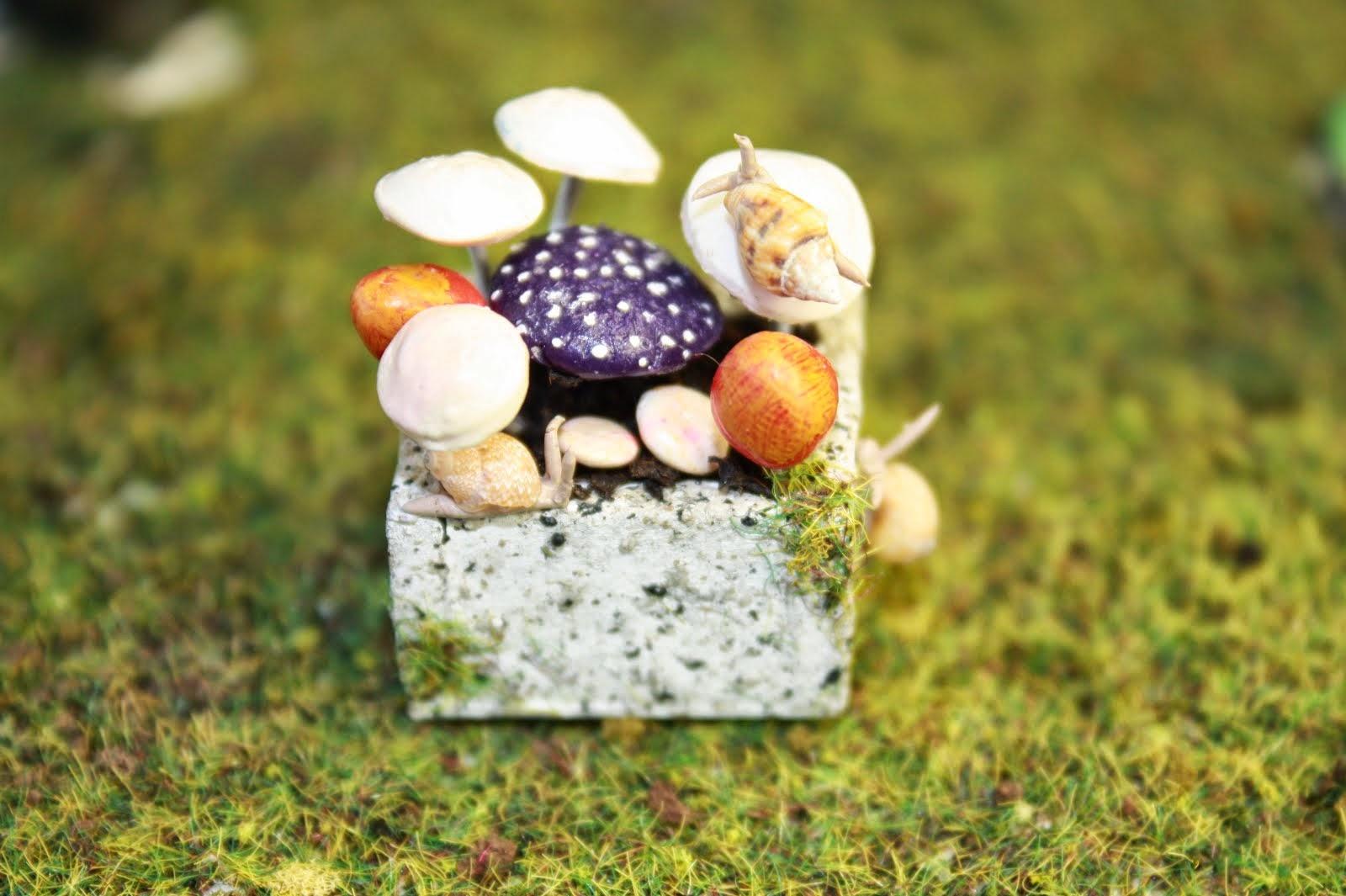 Myrtle Manor Miniatures Giveaway