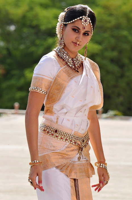 tapsee new from mogudu, tapsee unseen pics