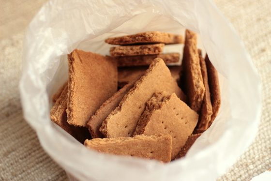 Homemade Graham Crackers - a tale of two recipes | Vintage Kitchen Notes