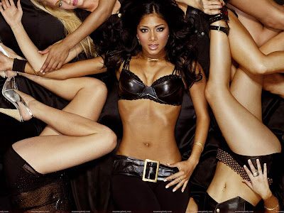 nicole_scherzinger_wallpaper_in_style_www.hotywallpapers.com