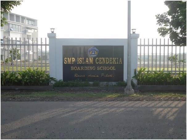 http://edukasi.kompasiana.com/2013/11/30/boarding-school-suatu-pilihan-terintegrasi-615366.html
