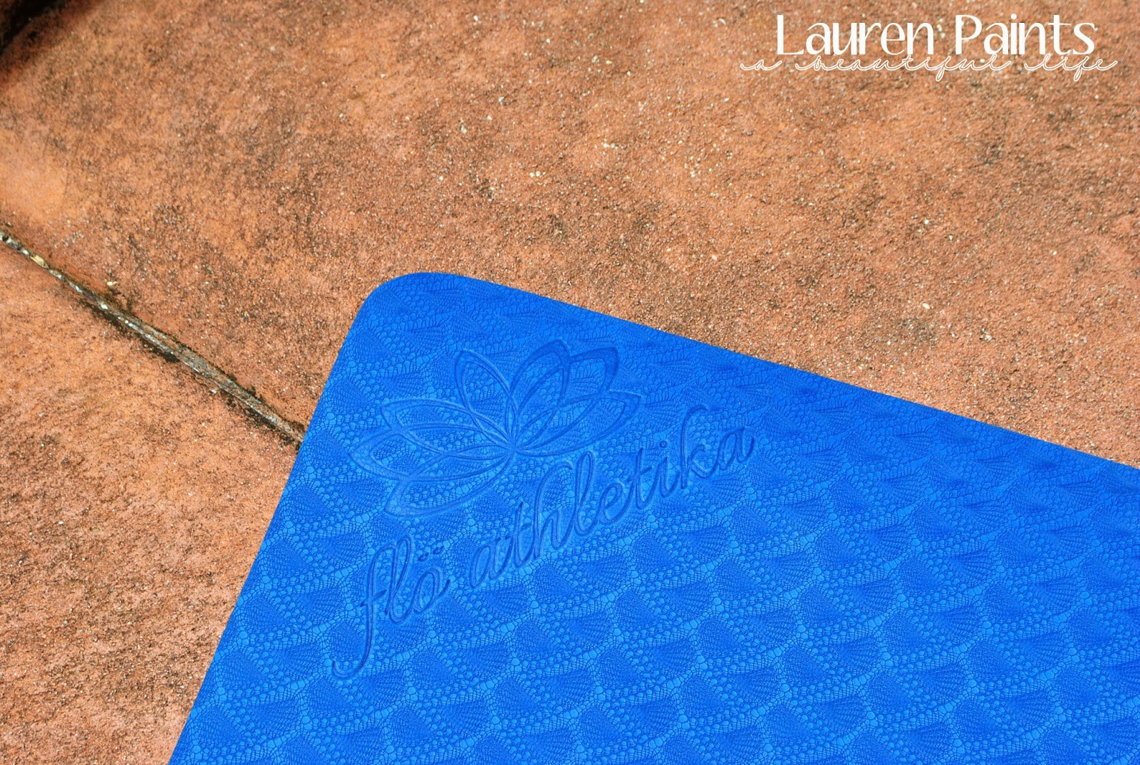 FloAthletika Yoga Mat for #EverybodyYOGAchallenge hosted by Lauren Paints