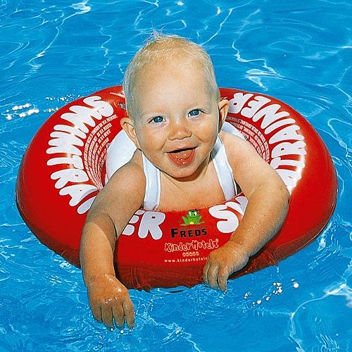 Flotador bebe posición de nado
