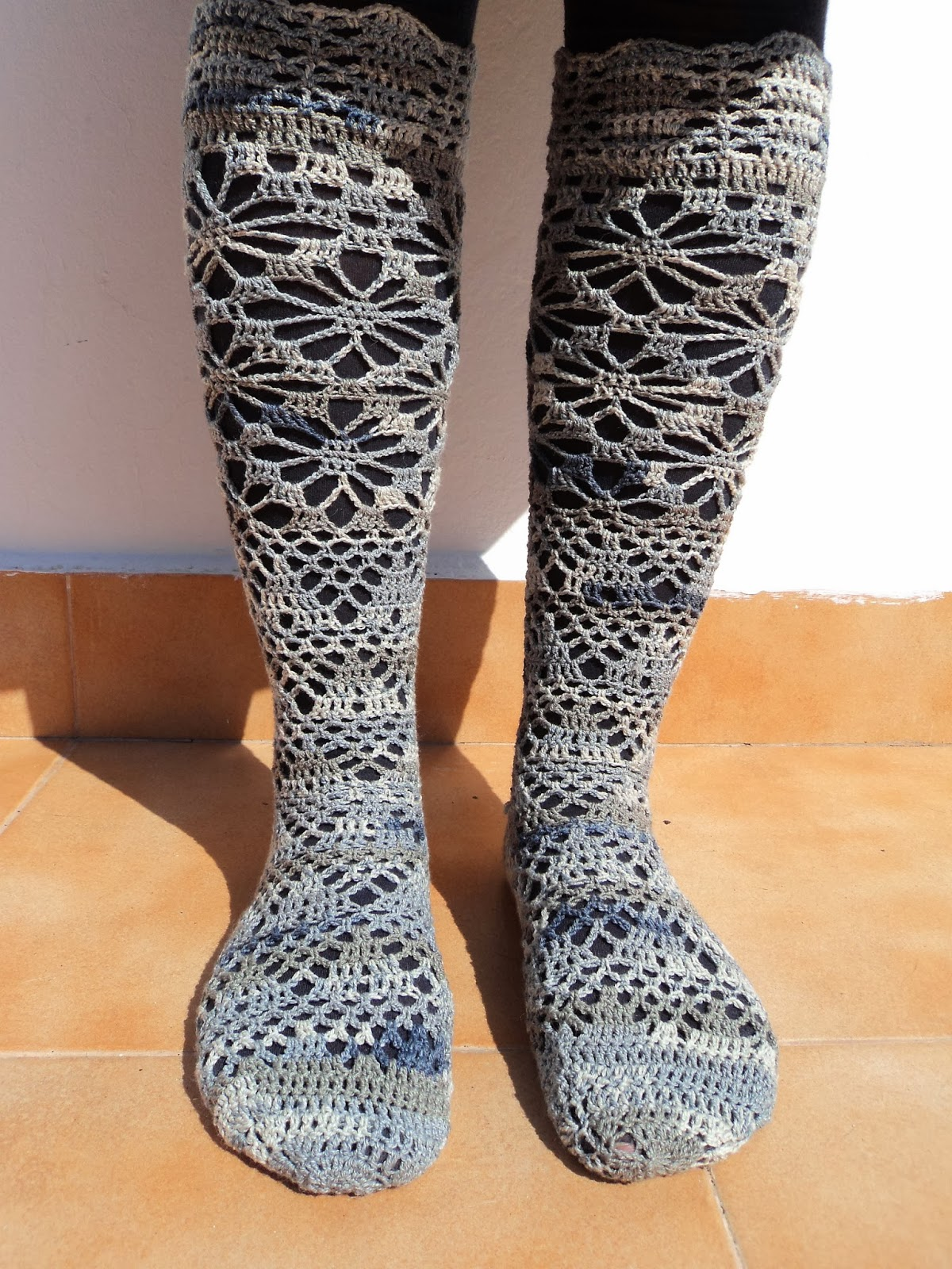 Re-Enganchada: Crocheted socks - Calcetines de ganchillo