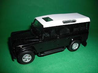 Vendo Miniaturas Land Rover / RANGE ROVER Land+Rover+Defender+110+-+Preto