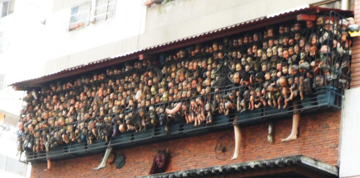El balcón de las mil cabezas de muñeca | LINDARTADAS