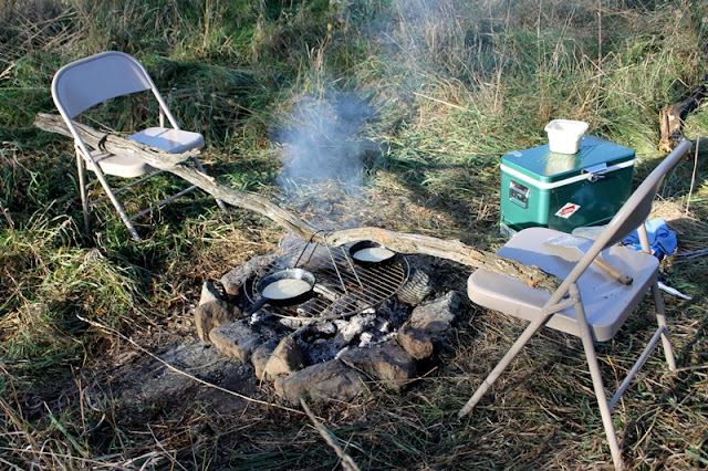 Make-do campfire grill support