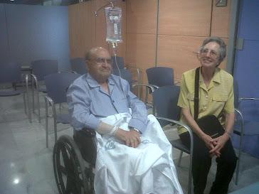 Mn. Raimon apun d'escoltar una missa en el Hospital