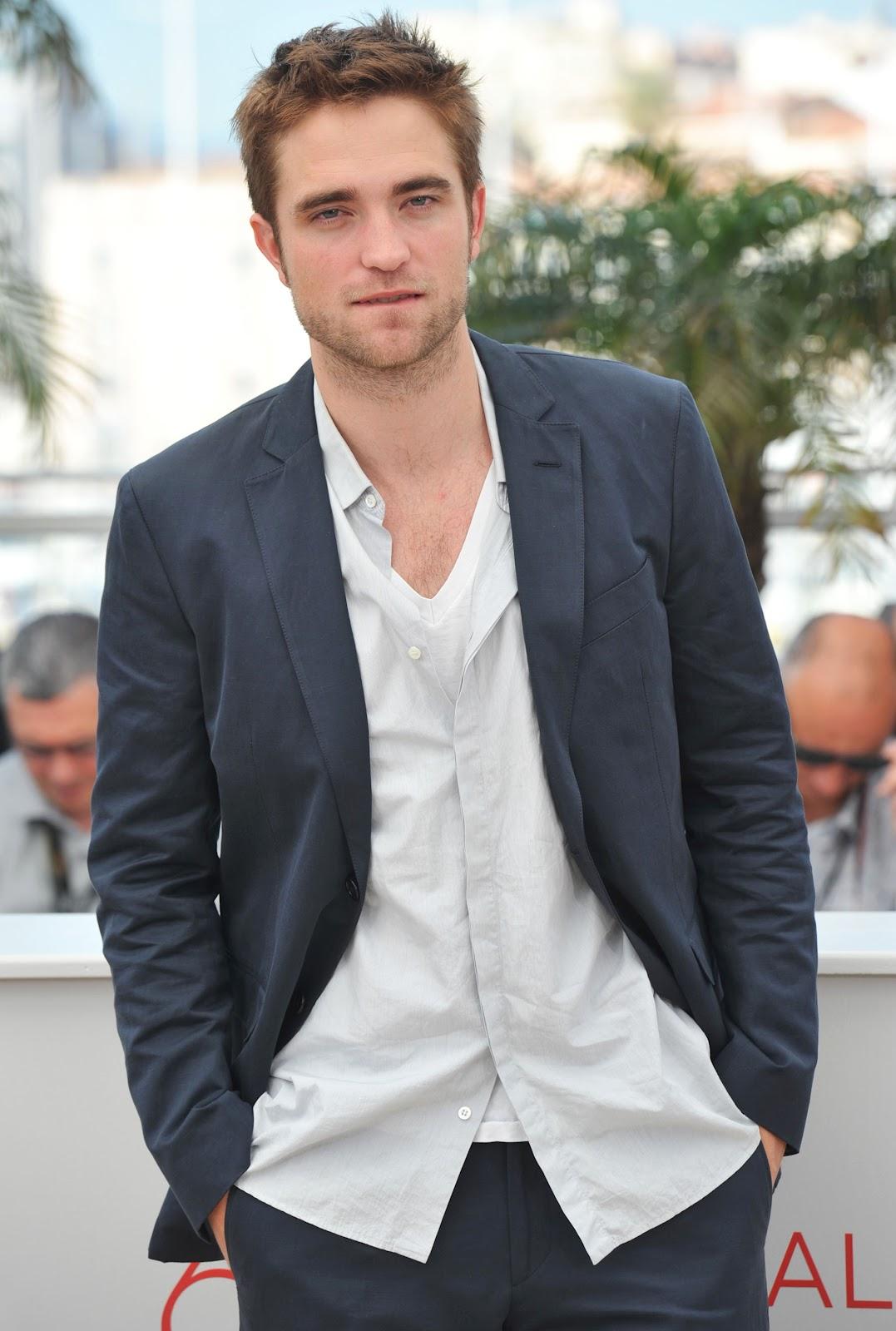 http://3.bp.blogspot.com/-HtbX2JuR9JQ/T9eWaum4ZBI/AAAAAAAATyU/hWqjVP53xeo/s1600/Robert+Pattinson.jpg