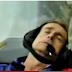 Reporter Pingsan Saat Siaran Langsung di Pesawat Akrobat + VIDEO