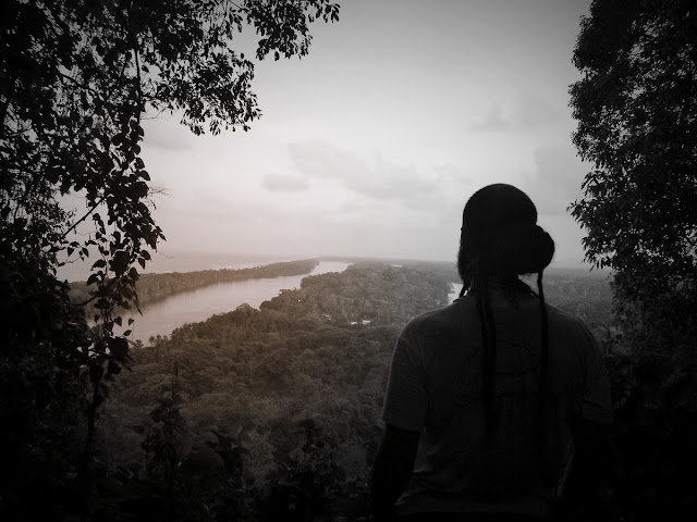 Observando un río