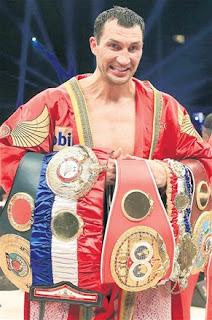BOXEO-Klitschko no encontró muchas dificultades para mantener sus títulos