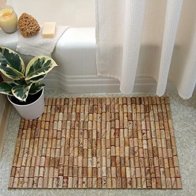 Tapete de saída de banho feito com rolhas de cortiça recicladas DIY