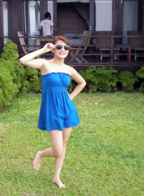 wut hmone shwe yee sexy bikini photo 02