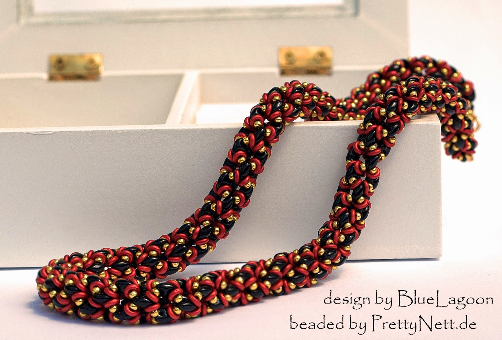 Necklace NetO beaded by PrettyNett