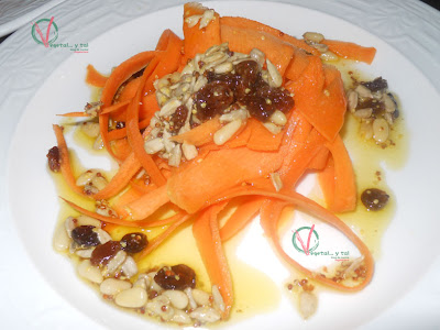 Ensalada de zanahoria y pasas.
