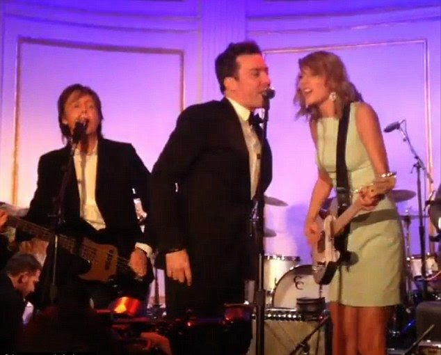 What better to end a great night than collective? Paul McCartney, Jimmy Fallon and Taylor Swift flaunting their music skill on the midnight show.