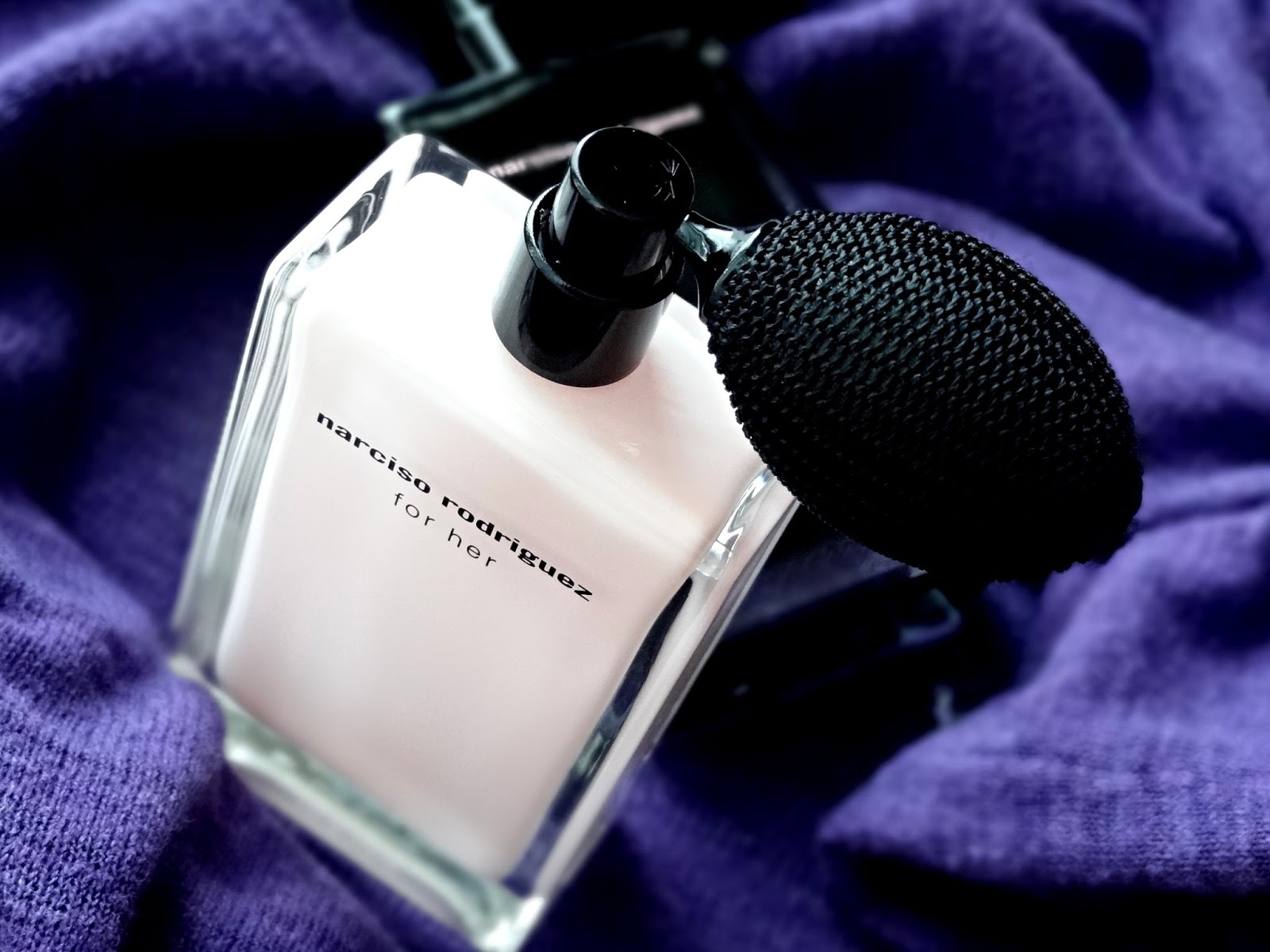 Narciso Rodriguez For Her Eau de Parfum with Atomizer