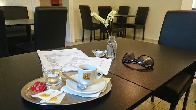 Espresso a interiér bistra Savec