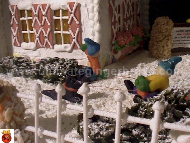 Ultimate Gingerbread - How to make wrought iron fencing
